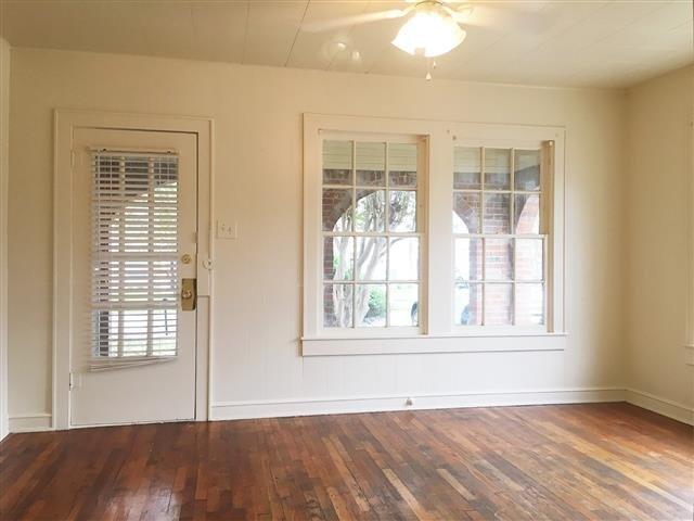 House For Rent In Columbus Waco TX - Hardwood floors waco
